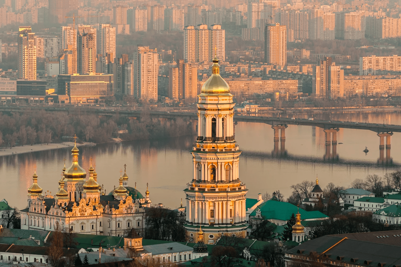 kiev-pechersk-lavra-Ukraine-min